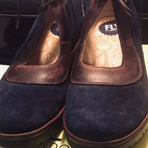 Fly London leather and navy suege shoes